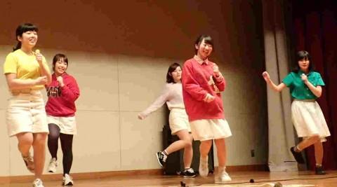 キュートなダンス部女子2