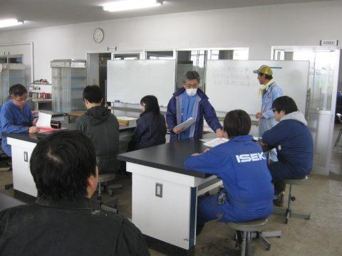 岩谷先生、東田先生から今日の作業の説明