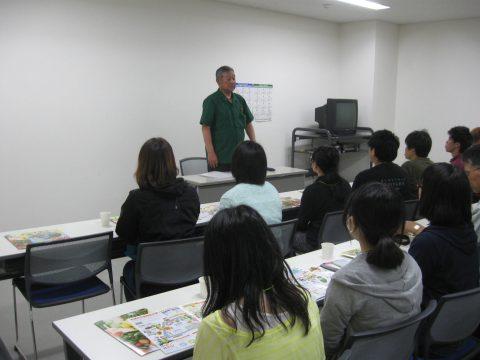 【画像】札幌丸果の仲村取締役から市場の役割と現状について講義を受けました