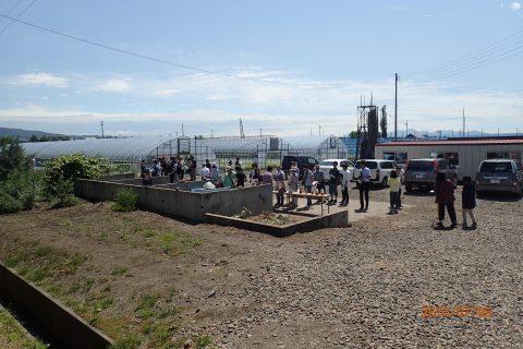 【画像】早速近くの圃場に視察、最初は堆肥の製造