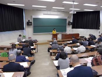 奥野さんから大学芋愛協会の紹介