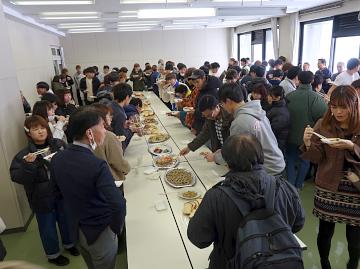 学生もお腹いっぱい食べました