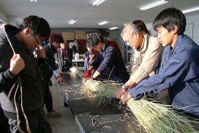 材料の稲わらはすべて拓大産です!