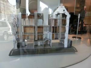 5アンネ・フランクの家、断面模型