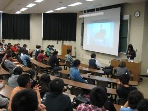 多くの在学生が聴衆しました
